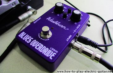 Very Affordable Blues Overdrive Pedal by Washburn - featuring true bypass and two EQ knobs